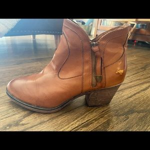 Rocket Dog - Western, Cowboy Style Booties - Tan